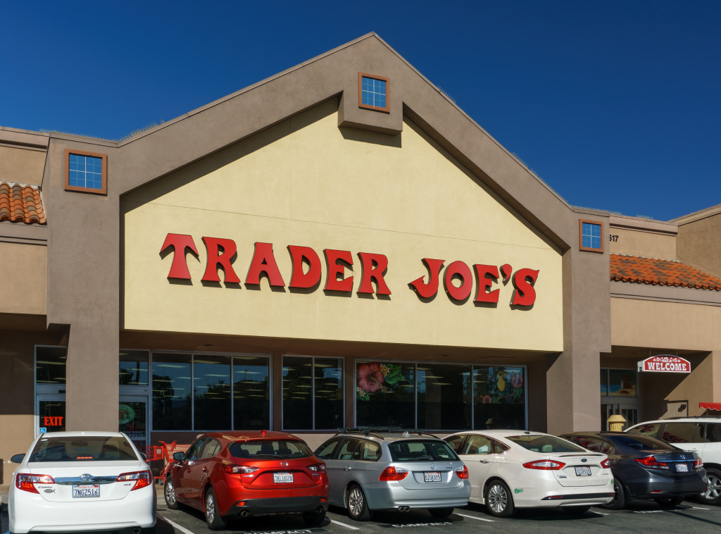 Santa Clarita, United States - October 31, 2015: Trader Joe's  exterior and sign. Trader Joe's is an American privately held chain of specialty grocery stores headquartered in Monrovia, California.